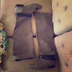 Pour La Victoire Leather Boots